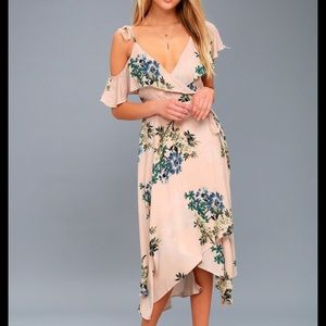 NEW NWT Astr Yessenia Blush Pink Wrap Dress